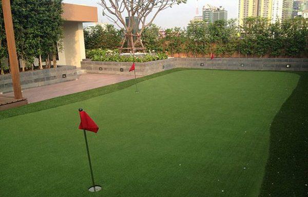 Villa-Asoke-bangkok-condo-mini-golf